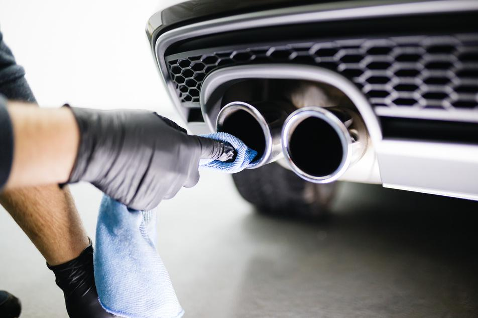 HOW TO CLEAN STAINLESS STEEL EXHAUST